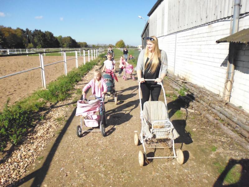 2017-10-14-13-28-39_Bilder Ausflug Bauernhof Familie Bein
