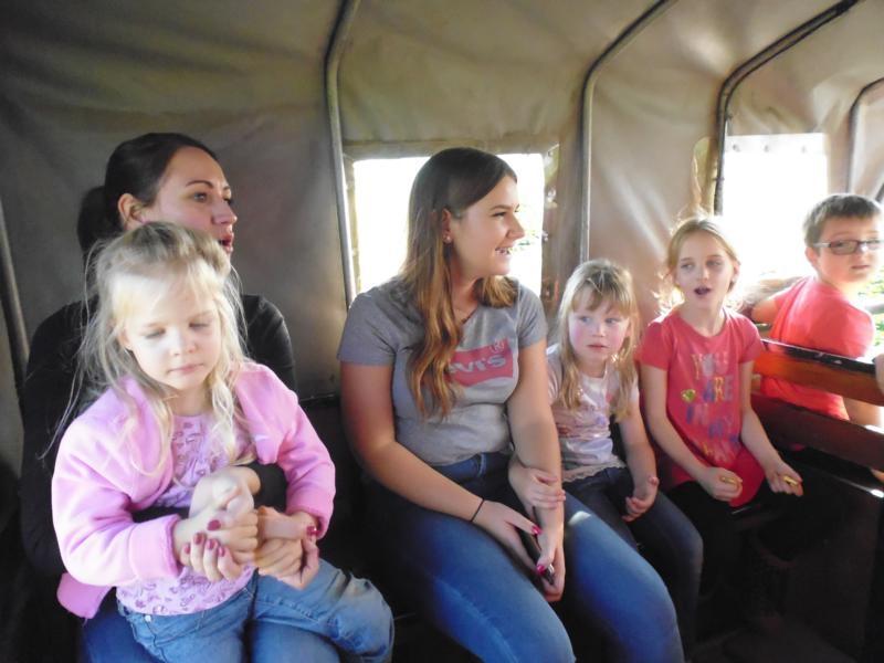 2017-10-14-15-18-07_Bilder Ausflug Bauernhof Familie Bein