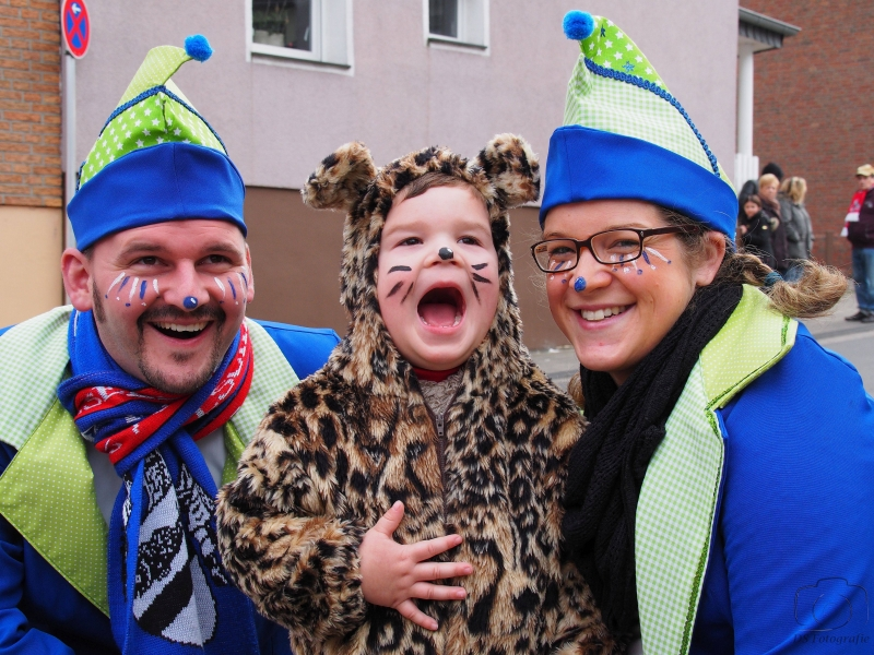 2017-02-26_14-35-37_Bilder Karnevalszug Fischenich 2017 (D. Schueller)_2