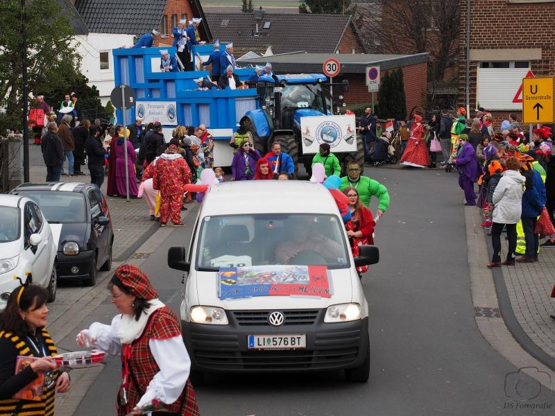 2017-02-26_15-19-38_Bilder Karnevalszug Fischenich 2017 (D. Schueller)